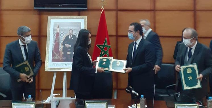 فتاح العلوي توقع اتفاقية للترويج لوجهة المغرب لدى المنتجين السينمائيين ووسائط الإعلام السمعي البصري على المستوى الدولي